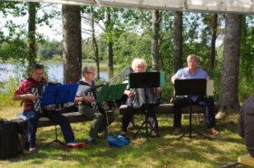 Aulis Kilpeläinen orkestereineen 70-v juhlassa 2