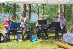 Aulis Kilpeläinen orkestereineen 70-v juhlassa